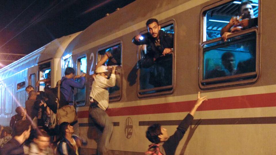 Syrische Flüchtlinge an einem Bahnhof in Kroatien