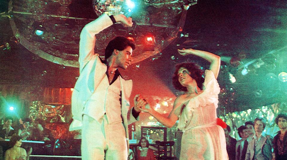 """Der Tanzfilm """"Saturday Night Fever"""" mit John Travolta and Karen Lynn Gorney (1977)."""