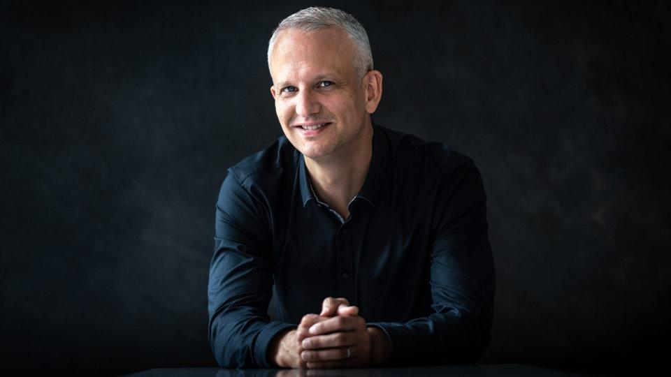 Nicolas Fink, den neuen Chefdirigenten des WDR Rundfunkchors